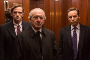 Con man Bernie Madoff (Robert De Niro) claimed to have kept his sons, Andrew Madoff ( Nathan Darrow) and Mark Madoff (Alessandro Nivola), in the dark in THE WIZARD OF LIES. Photo: Craig Blankenhorn. Courtesy HBO.