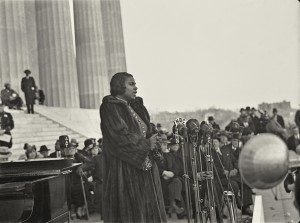 Internationally renowned African-American contralto MARIAN ANDERSON (1897-1993) sang to an audience of 75,000 from the steps of the Lincoln Memorial in Washington, D.C., on Easter Sunday 1939. Photo courtesy World History Archive/Alamy Stock Photo.