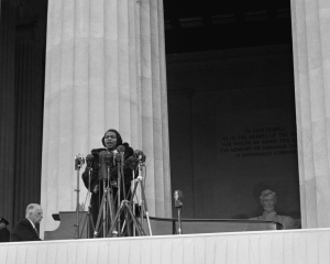 Millions of radio listeners tuned in to hear Marian Anderson sing at the Lincoln Memorial on Easter Sunday, April 9, 1939. Photo courtesy Everett Collection Historical/Alamy Stock Photo.